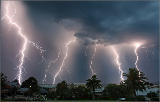 Fremantle lightning
