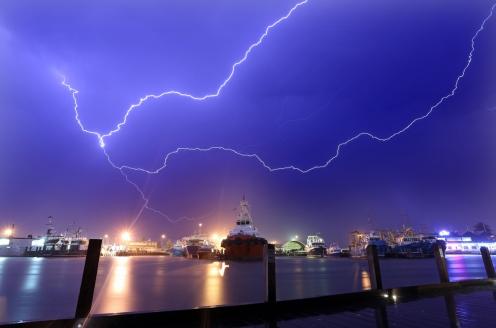 Lightning over fishing boat harbour1