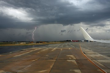 Lightning from plane window 1