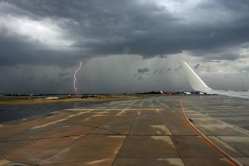 Lightning from plane window 1