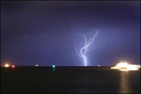 Mandurah lightning_13