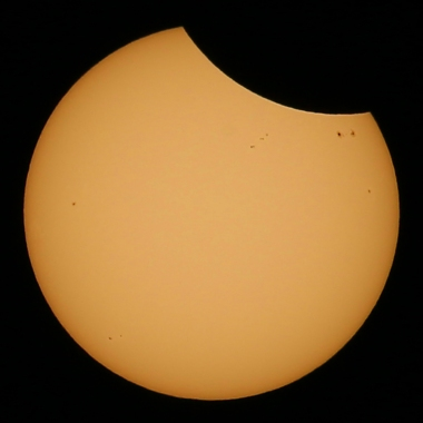 Eclipse and sunspots IG
