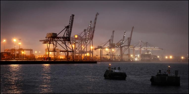 Fremantle harbour drizzle